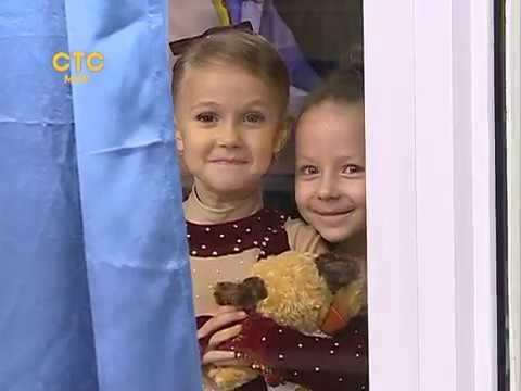 Тулуп демонстрируют дети                                    СТС-МИР.