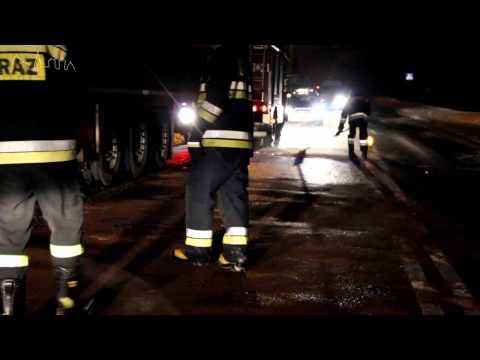Nawet 900 l oleju napędowego mogło wyciec z cieżarówki na jezdnię