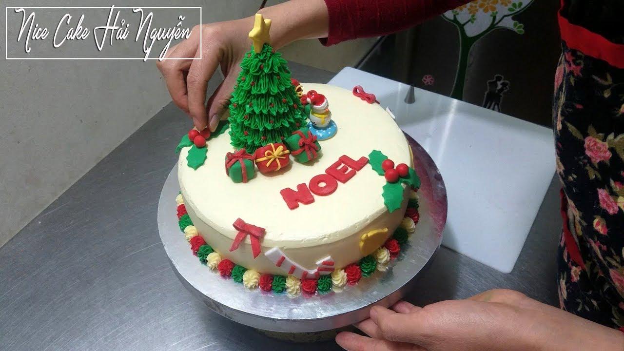 Cách Trang Trí Bánh Gato Mừng Noel Kết Hợp Với Fondant