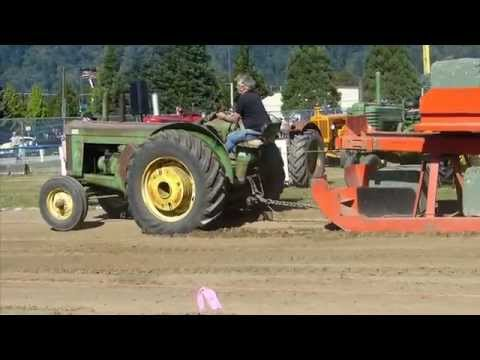 Antique Tractor Pull at the Agassiz Fair 2014