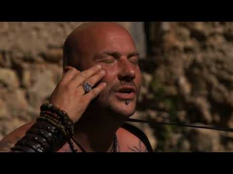 Singer ! Vocal !Traditional Music ! History ! Luc Arbogast ! Street Artist ! Medieval Middle ages !