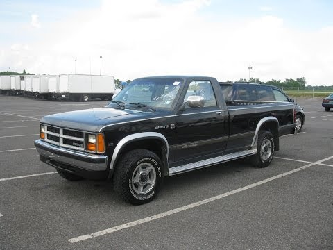 1988 Dodge Dakota LE 3.9L V6 Magnum 4X4 Start Up and Tour - 51,000 Original Miles!
