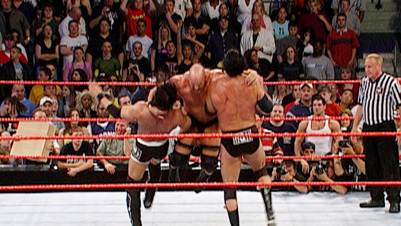 "The nWo vs. ""Stone Cold"" Steve Austin, Ric Flair and Bradshaw : Raw, May 6, 2002"