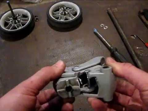 Ремонт колес на детской коляске своими руками