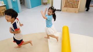우리를 쫓아오지 마세요!! 서은이와 유준이의 플레이타임 키즈카페 아빠랑 놀기 방방 Kids Indoor Playground