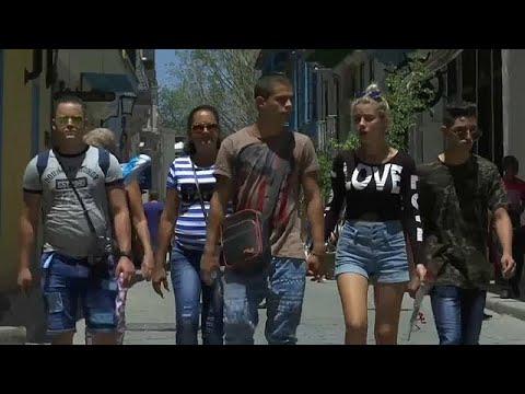 Jovens cubanos esperam mais abertura com sucessor de Castro