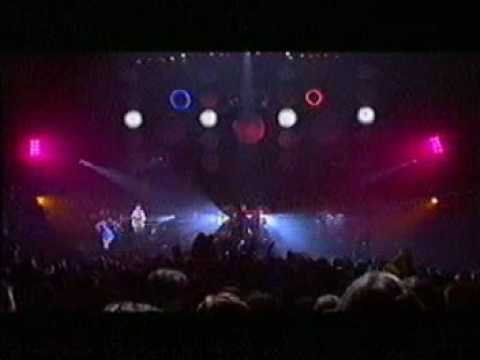 Pulp - Common People (live)