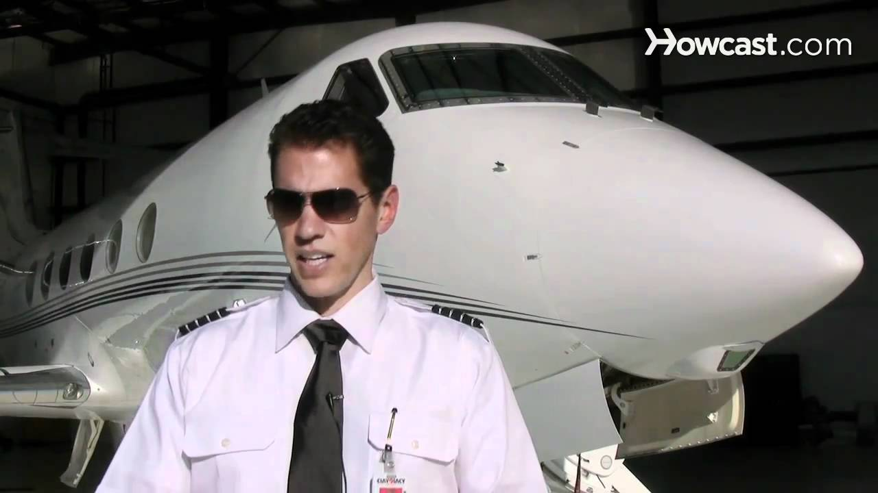 Requirements to Become a Pilot | Flying Lessons - YouTube