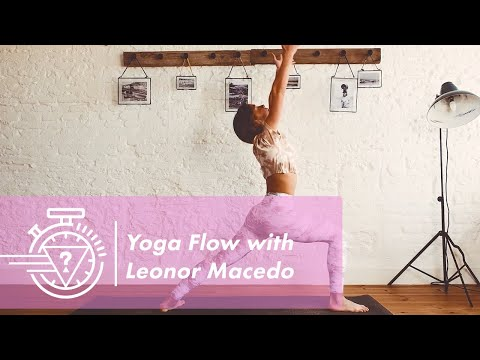 10 Minute Yoga Flow with Leonor Macedo| #GUESSActive
