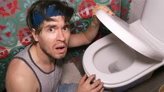 EN LA BUSQUEDA DEL RETRETE MAGICO !! - Toilet Escape