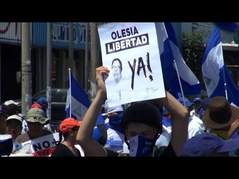 Thousands walk in Nicaragua demanding Ortega step down