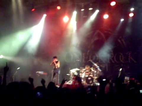 one ok rock live in jakarta (nothing help)