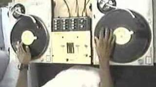 Shure Turntablism 101-Funky Drummer  Beat Juggle  -Rob Swift