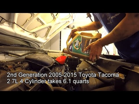2005 2015 Toyota Tacoma 2 7l Oil Change Youtube