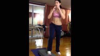 Упражнения на ягодицы с прыжками и ходьбой