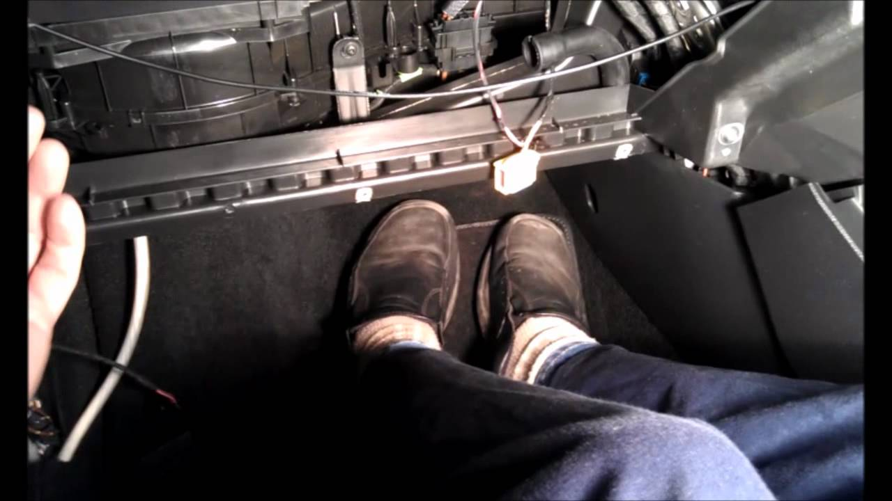 Vw Golf Mk6 Glovebox Removal Youtube