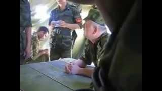 В армии матом не ругаются а матом разговаривают))