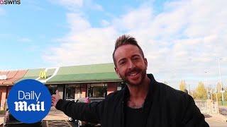 """حالة نادرة... رجل يفقد وزنه بعد تناوله مأكولات """"ماكدونالدز"""" لمدة شهر (فيديو)"""