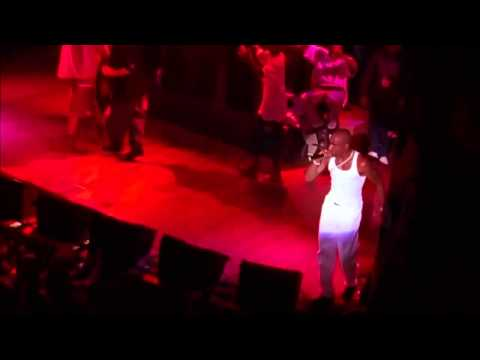 2Pac - Troublesome 96 & Hit 'em up ft. Outlawz (Live Official)