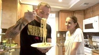 MY WIFE Makes a Creamy Garlic Shrimp Pasta at Home in VR180   Miami, Florida