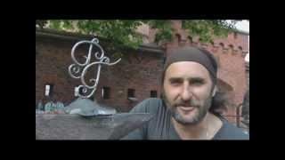Художественная ковка металла(В Калининграде лучшие кузнецы выковали ограду для моста. А в перерыве кузнецы играючи выковали для