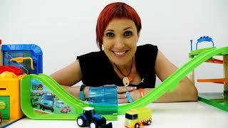 Download Машинки и новая трасса -  Игры для детей с Капуки Кануки Mp3 and Videos