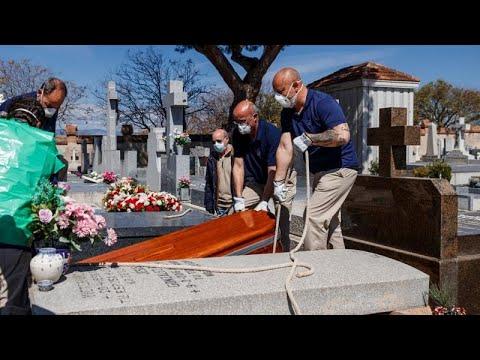 Covid-19: i traumi dei parenti delle vittime, reportage dalla Spagna