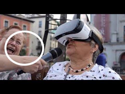 Señora Reacciona a realidad virtual