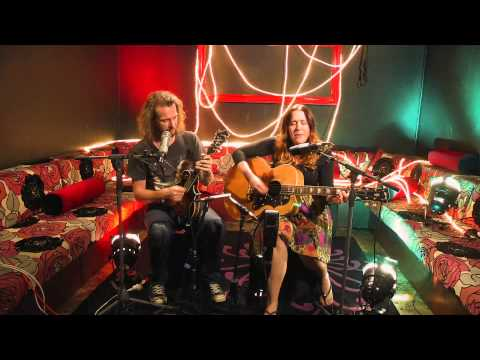 Catherine Britt - Sally Bones (Live for theMusic Sessions)