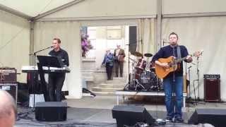 Fête de la Bretagne 2013 - Rhum et Eau - Tiens, tiens, tiens, voilà les Parisiens