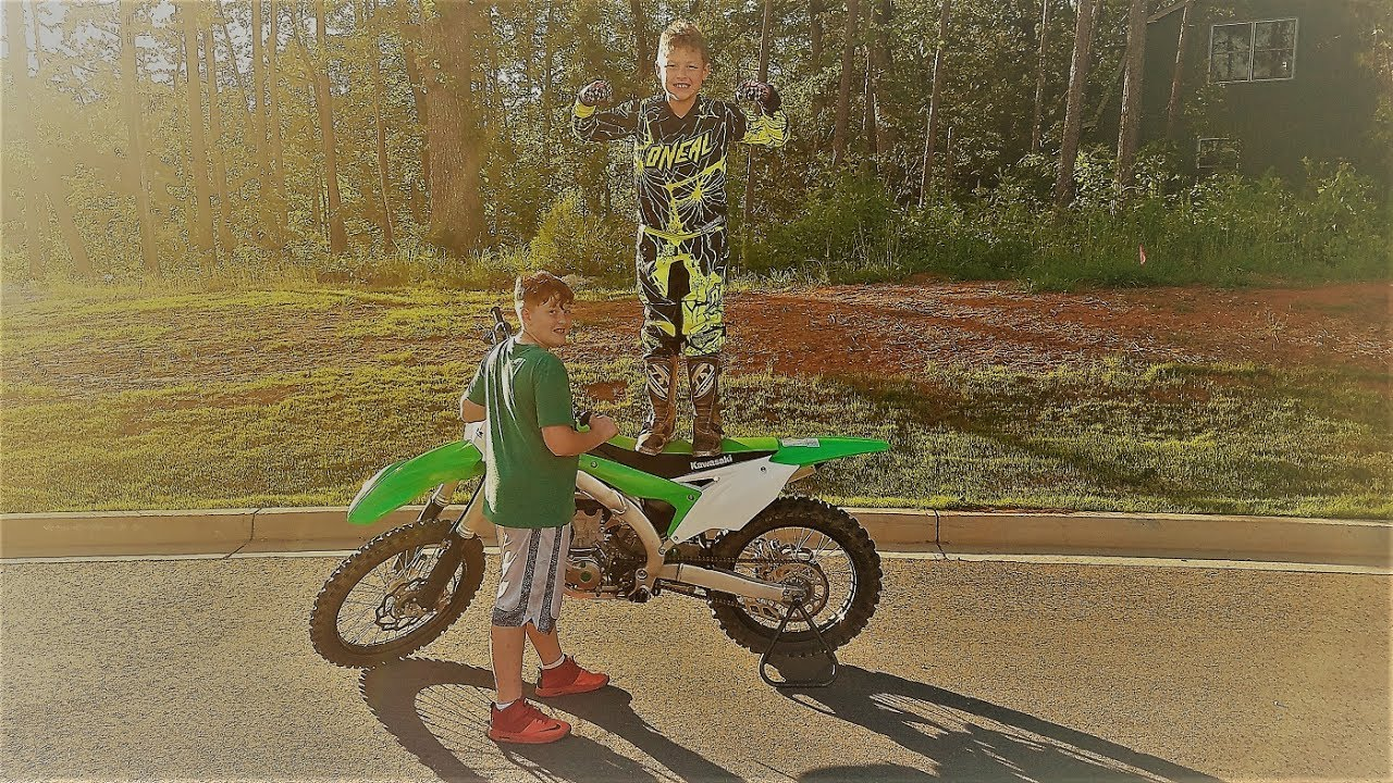 He rode the kx450!!! And top speed on both bikes - YouTube