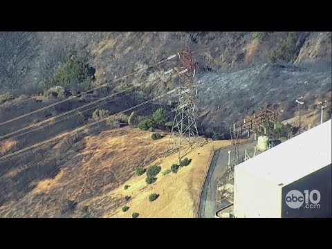PG&E transmission lines near start of Kincade Fire | RAW
