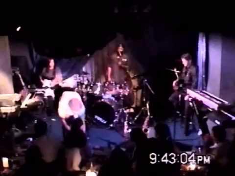 Vince performing impromptu magic in Japan