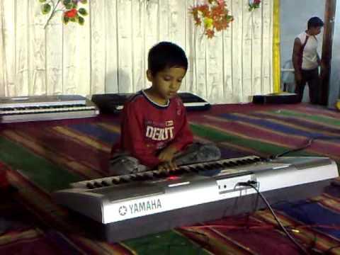 padmesh - 1st keyboard competition- playing mukunda