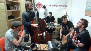 The Chicless - Medley (live @ Esco di Radio)