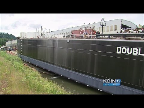 Despite delay, Zidell Marine launches final barge