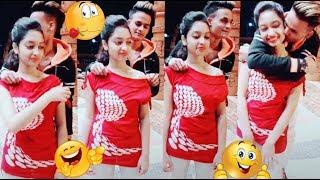 Gambar cover 🌍Musically#Vigovideo#TikTok 🔥🔥Jismo Ke Piche Bhage Ho Phirte Utro Kabhi Rooh Main🔥#Viral#Comedy