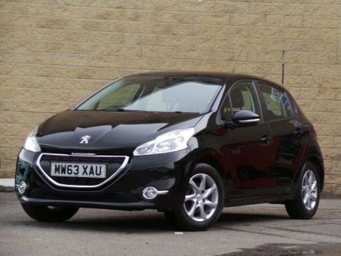 2013 63 peugeot 208 1 4 hdi active 5dr in nera black youtube. Black Bedroom Furniture Sets. Home Design Ideas