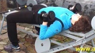 Упражнения с гантелями для женщин(У нас Вы можете заказать индивидуальную программу тренировок по интернету: http://atletizm.com.ua/personalnyj-trener/uslugi ..., 2012-11-09T08:20:45.000Z)
