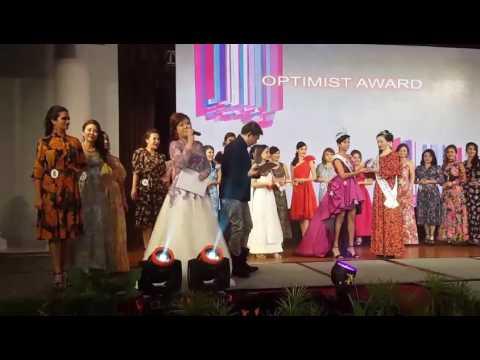 Classic Mrs Singapore 2017 - Mrs Optimist - Huang XiuZhen