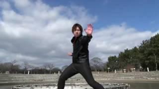 大阪の特撮ライブ「芸人特撮タイム」の第二回目で使用された動画「ダイレンジャーの名乗りをやってみた」です! 各出演者の名前と名乗りポーズだけでも覚えて帰って ...