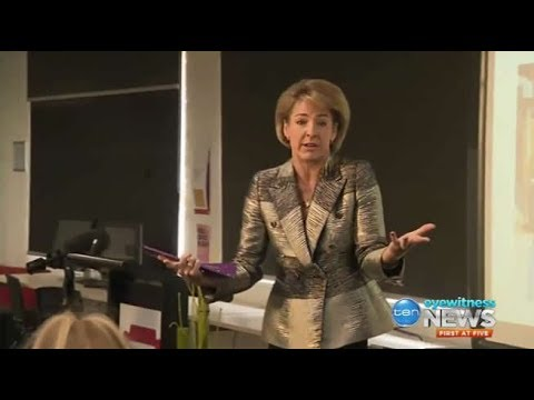 Michaelia Cash on $40 a day, tells students how hard she roughed it as a backpacker
