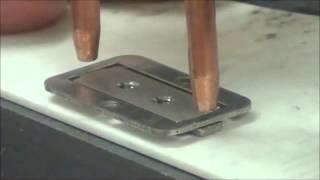 Контактная точечная сварка стальных пластинчатых деталей аппаратом CD600DP(Контактная точечная сварка стальных пластинчатых деталей толщиной 0.63мм и 1.1мм. Используется аппарат CD600DP..., 2015-03-17T22:20:29.000Z)