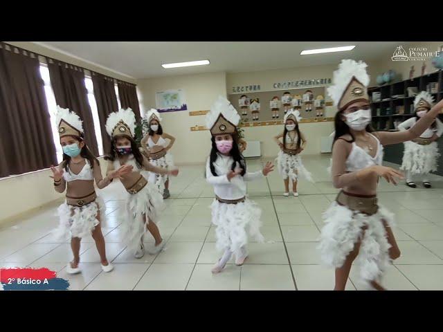 2°A de Pumahue Chicauma realiza su  baile en el mes de la patria, representando a Rapa Nui
