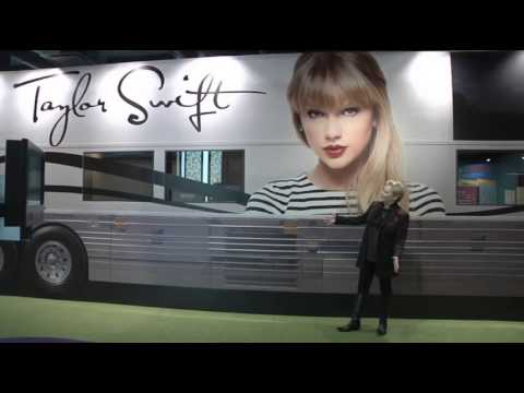Swift's Bus Drives Into Country Hall of Fame - YouTube