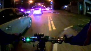 По ночному городу на велосипеде
