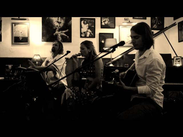 Auralyn Waves Trio | Speakeasy 2015