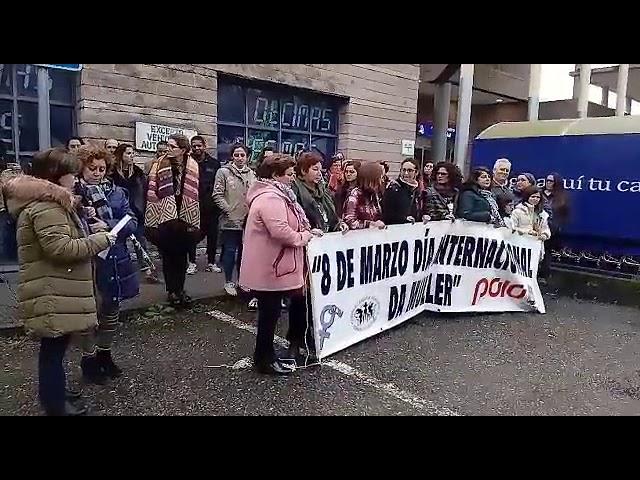 As mulleres de Poio e as mariscadoras de Lourizán, en pé polo 8-M