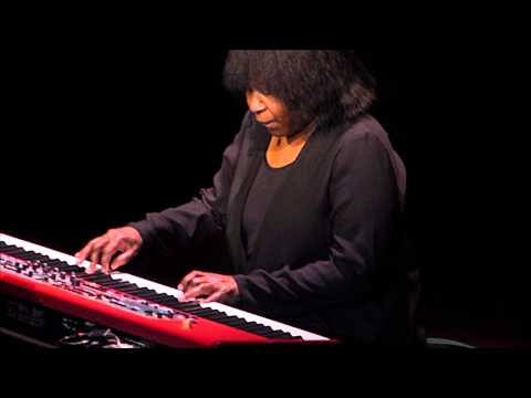 Joan Armatrading - The Weakness In Me - Scottish Rite Auditorium - April 18, 2015