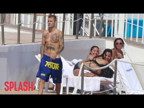 Justin Bieber Gets Plenty of Attention in Monaco | Splash News TV